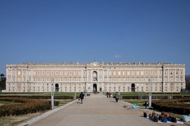 カゼルタの18世紀の王宮と庭園、ヴァンヴィテッリの水道橋、サン・レウチョの関連遺跡