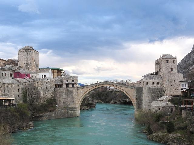 モスタル旧市街の石橋地区の画像1