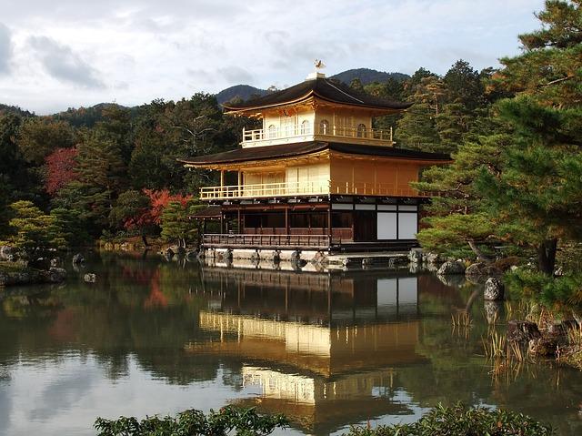 http://world-heritage.s3-website-ap-northeast-1.amazonaws.com/img/1495530246_japan-kinkakuji.jpg
