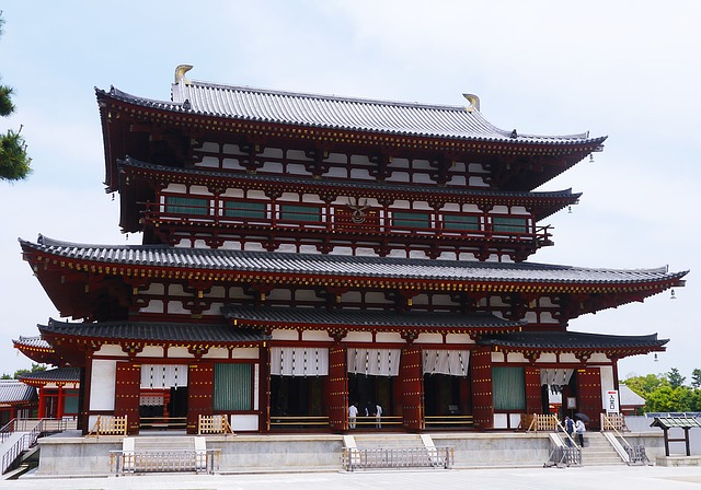 http://world-heritage.s3-website-ap-northeast-1.amazonaws.com/img/1495531234_yakushiji.jpg