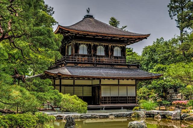 http://world-heritage.s3-website-ap-northeast-1.amazonaws.com/img/1495611886_ginkaku-ji.jpg