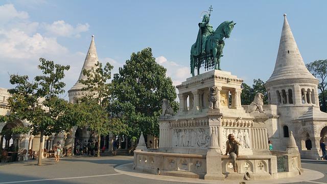 ドナウ河岸、ブダ城地区及びアンドラーシ通りを含むブダペストの画像4