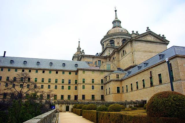 マドリードのエル・エスコリアル修道院とその遺跡の画像1