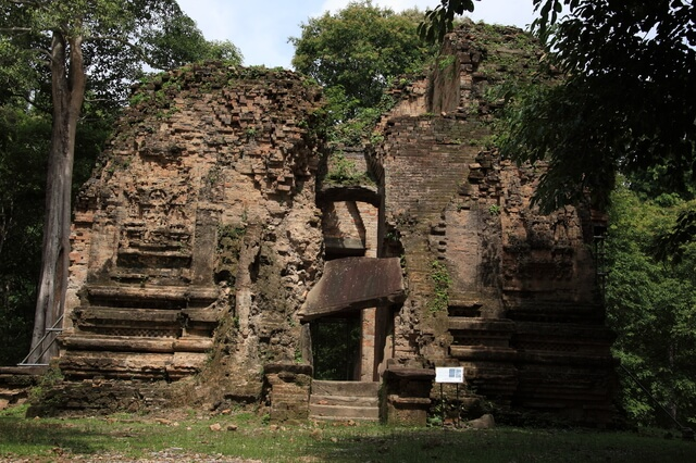 古代イシャナプラの考古遺跡サンボー・プレイ・クックの寺院地区の画像1