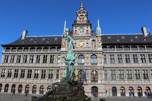 ベルギーとフランスの鐘楼群の画像9