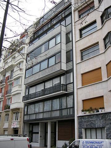 ナンジェセール・エ・コリ通りのアパート(ポルト・モリトーの集合住宅)の画像1
