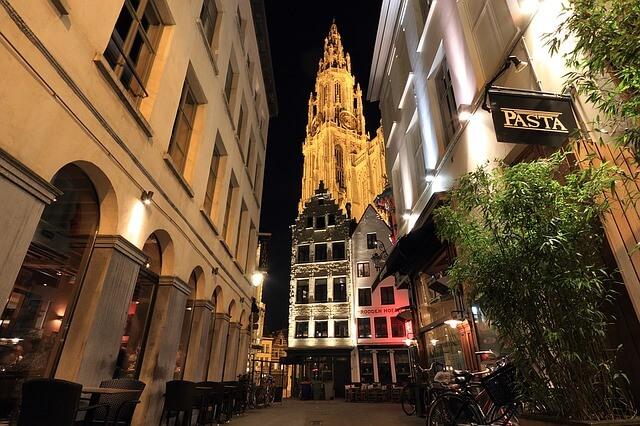 ベルギーとフランスの鐘楼群の画像8