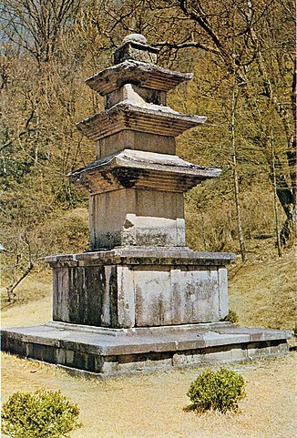 山寺(サンサ)、韓国の仏教山岳僧院の画像1