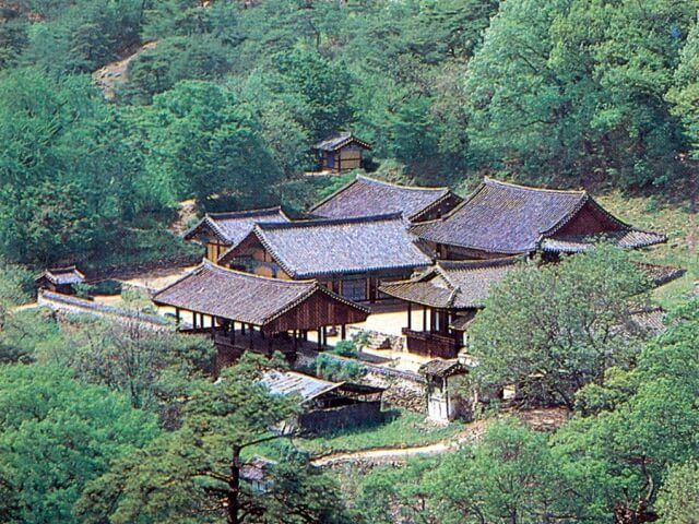 http://world-heritage.s3-website-ap-northeast-1.amazonaws.com/img/1531295738_Bongjeongsa.jpg