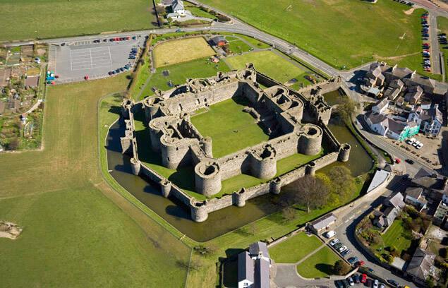 グウィネズのエドワード1世の城群と市壁群の画像4