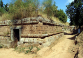 http://world-heritage.s3-website-ap-northeast-1.amazonaws.com/img/1493022012_italy-Necropolises.jpg