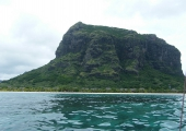 http://world-heritage.s3-website-ap-northeast-1.amazonaws.com/img/1496736983_LeMorne.jpg